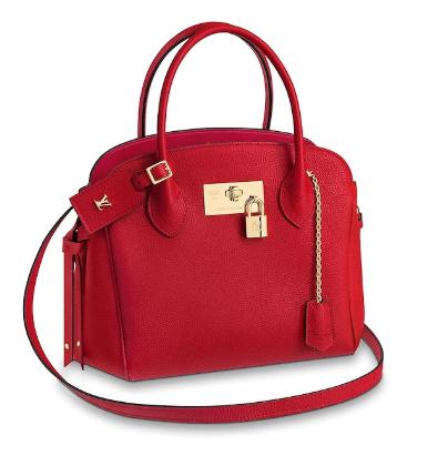 ドクターX 米倉涼子 ルイヴィトンの赤いバッグ